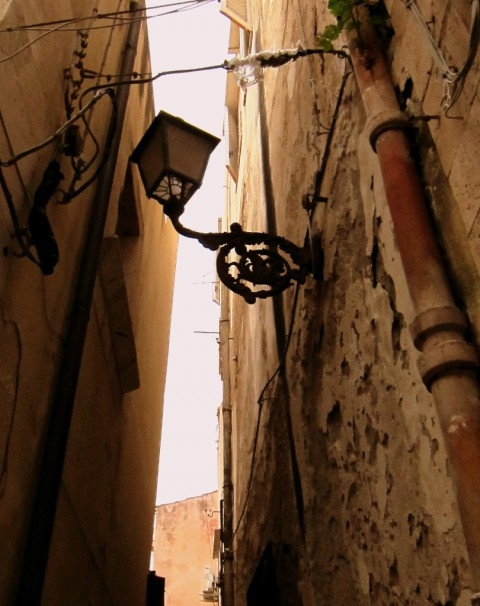 Alley Light - photo - Rob Vandermark